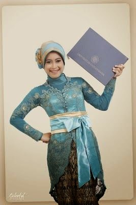 model kebaya wisuda simple modern