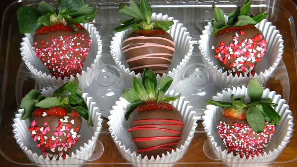 valentine chocolate covered strawberries