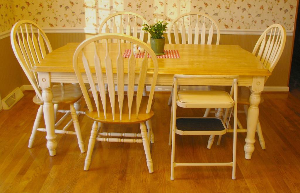 mary ann 39 s house craigslist furniture. Black Bedroom Furniture Sets. Home Design Ideas