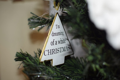 Christmas Decorations for a White Christmas 2015 - Little House Lovely