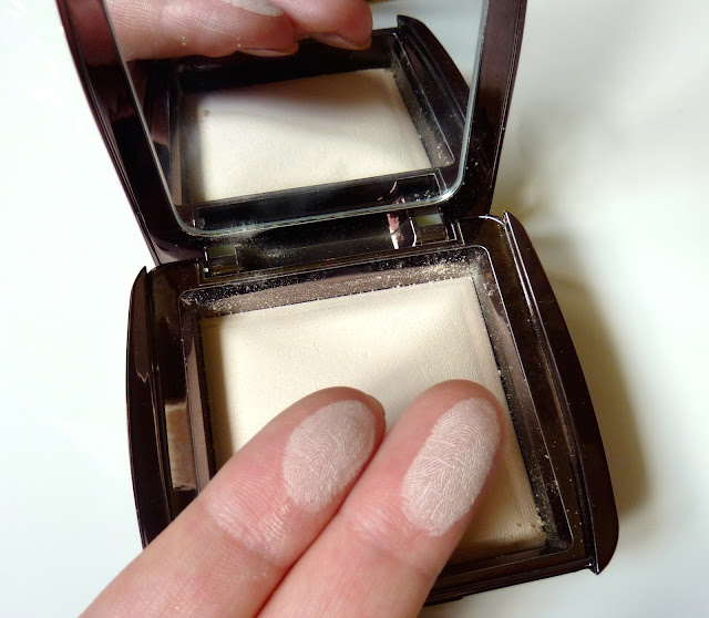 """Photo of Hourglass Ambient Lighting Powder in shade """"Ethereal Light"""" swatch"""