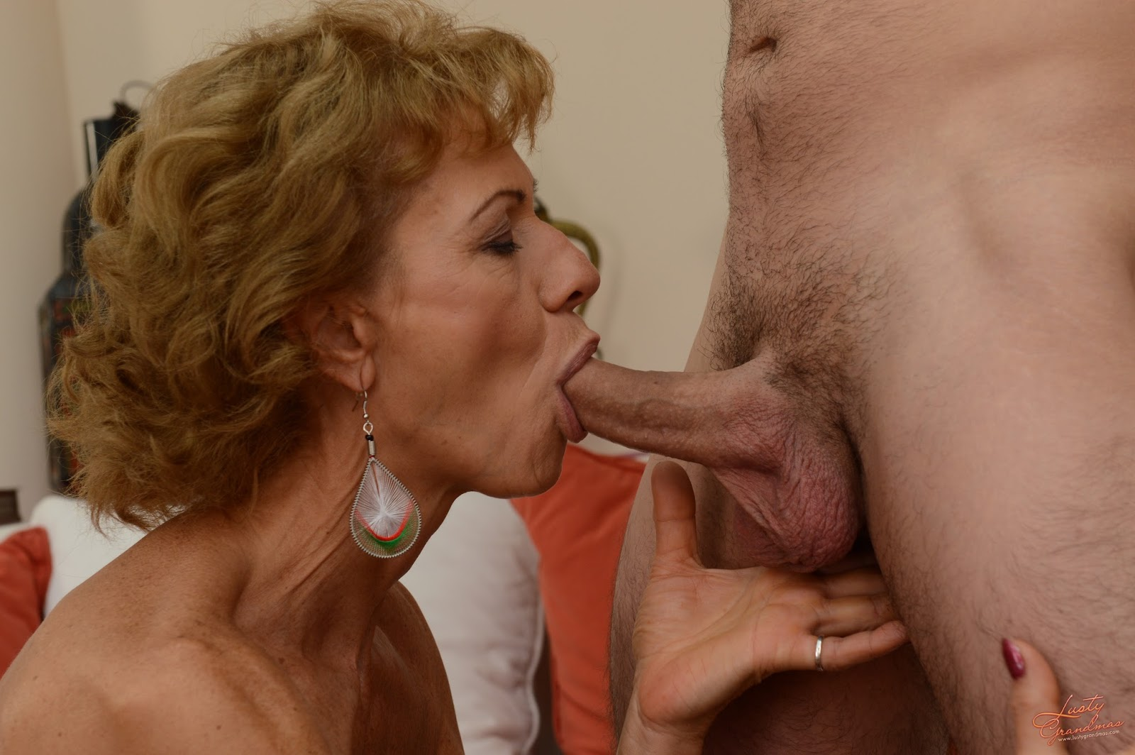 67 year old cougar getting fucked by 29 year old cub 2