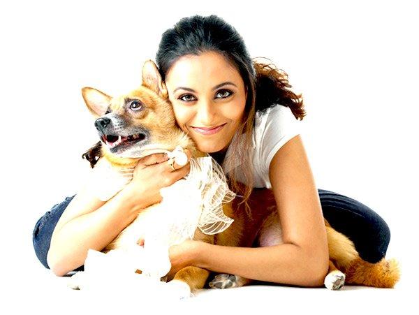 Rani Mukherjee with a dog