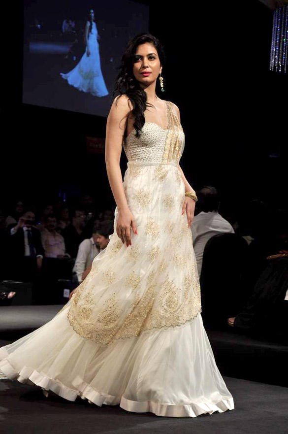 She fashion club white indian bridal dresses for White indian wedding dress