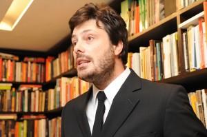 Danilo Gentili CQC expulso Senado