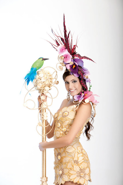 Srta. Colombia 2011-2012. Desfile en traje artesanal Antioquia: Olivia Aristizábal Echeverri