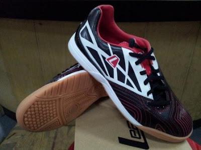 Ramjet diffuse 105512 061w 249 Sepatu Futsal League Terbaru