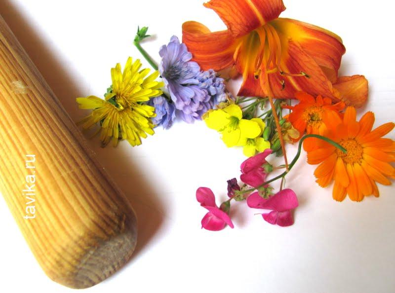 отпечаток букета цветов с помощью молотка