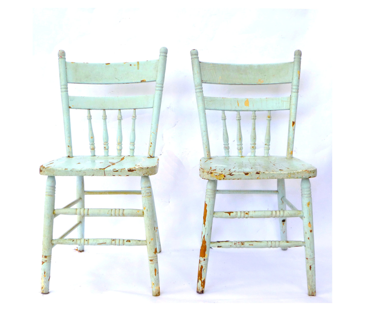 Wonderful I Really Like The Color And Chippy Paint Surface Of These Antique Chairs