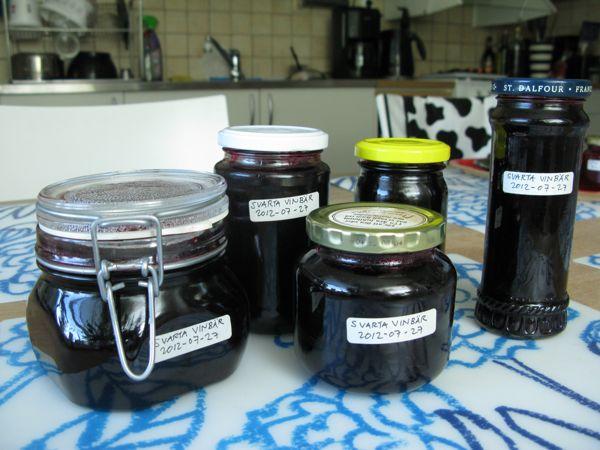 svart vinbärsmarmelad, black currants jam