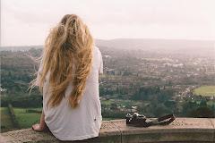 """Triste es ocultar miles de sentimientos detrás de dos simples palabras """"Estoy bien"""""""