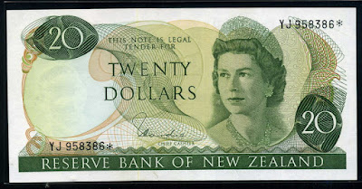 New Zealand money 20 Dollars Queen Elizabeth II