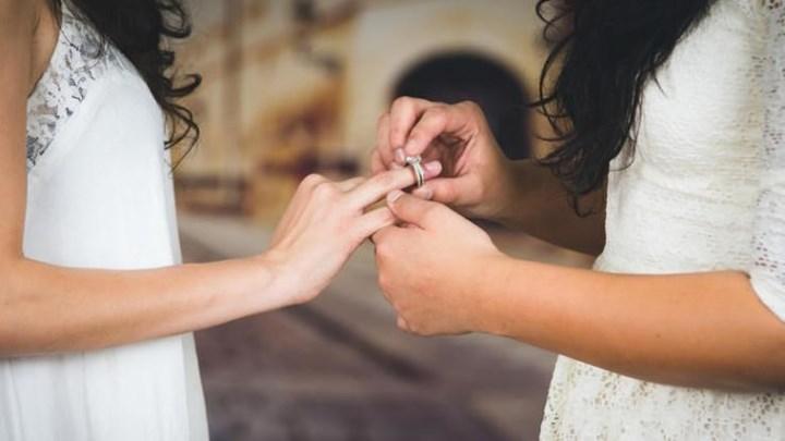 Άκυροι οι γάμοι ομόφυλων ζευγαριών - Η απόφαση του Αρείου Πάγου