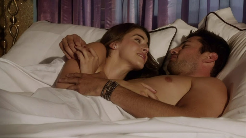 Wes Brown Shirtless in 90210 s5e01
