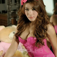 Foto Artis Model Indonesia Tampil Hot