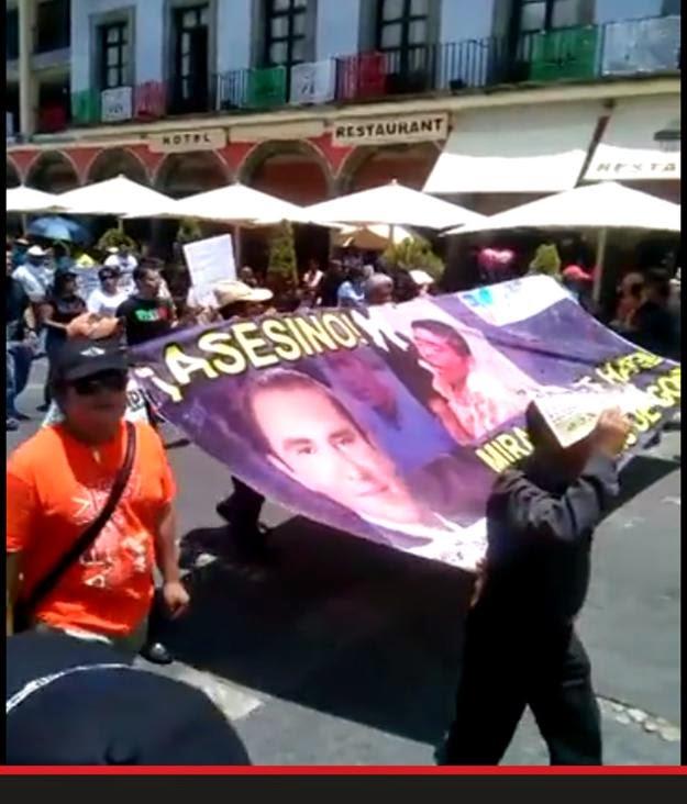 VIDEO: MILES DE POBLANOS EXIGEN RENUNCIA DEL GOBERNADOR DE PUEBLA