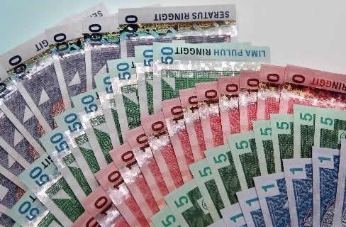 10 X RM100 cash prizes