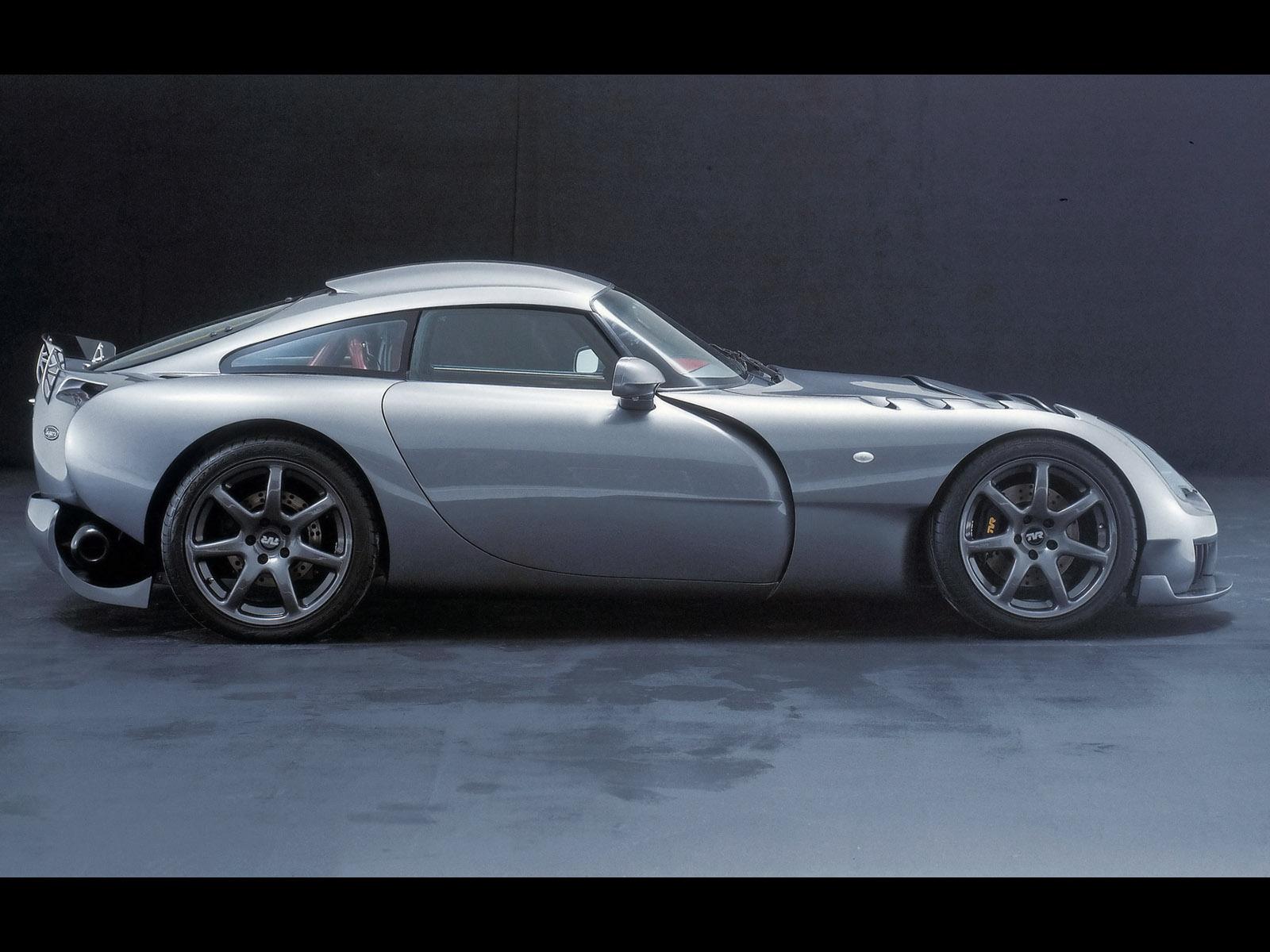Wallpapers of beautiful cars: - 227.5KB