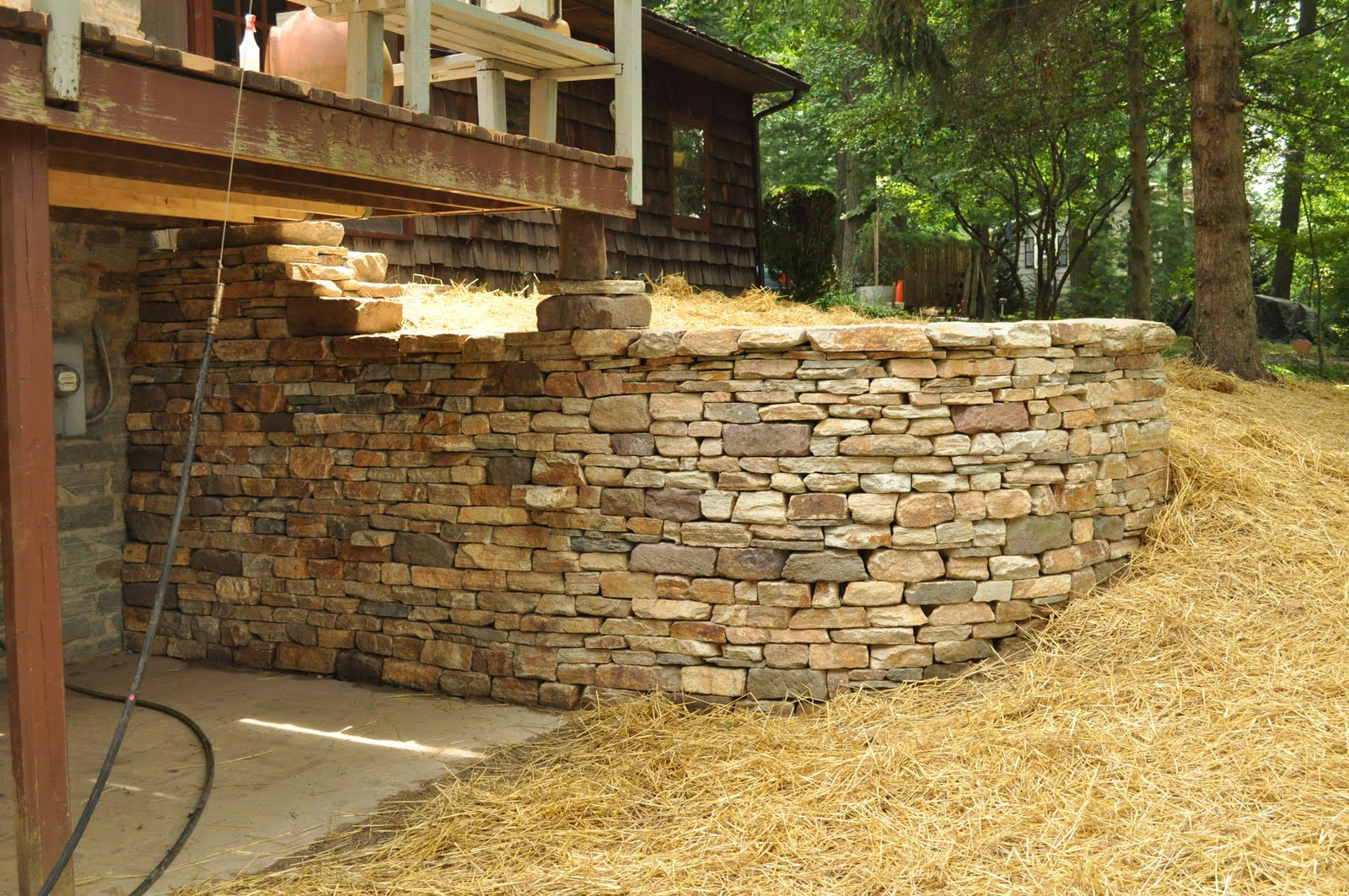 Rockin walls july 2011 for Walkout basement retaining walls