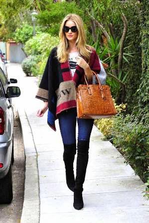 rosie huntington dengan skinny jeans