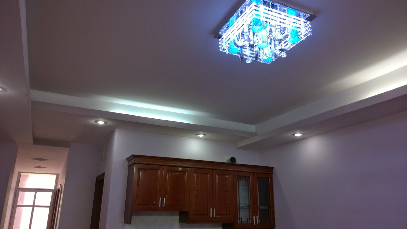 Đèn và Trần thạch cao chung cư giá rẻ Trung Văn Hà Nội