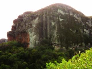 Pedra do Segredo Lembra Cabeças de Gorilas, em Caçapava do Sul