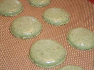 Green tea macarons with no feet