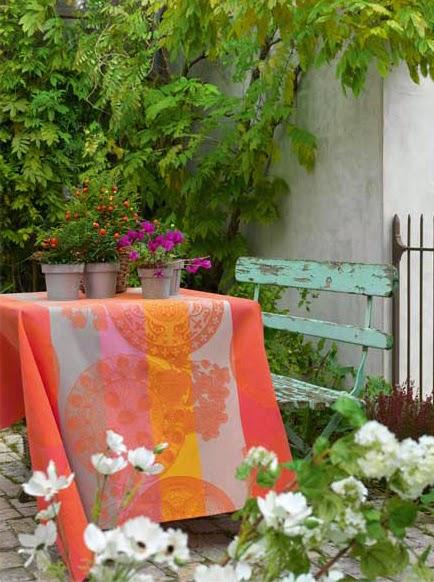 Fleurs Gourmandes Peche le Jaquard francois. Mantel y servilletas