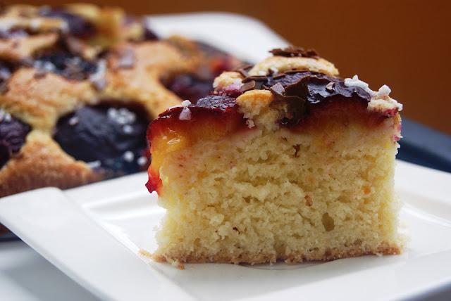 śliwkowe ciasto, przepis na szybkie ciasto ze śliwkami, pyszne ciasto ze śliwką, łatwe ciasto bez miskera, ciasto ekspresowe ze sliwką, pyszne ciasta przepis