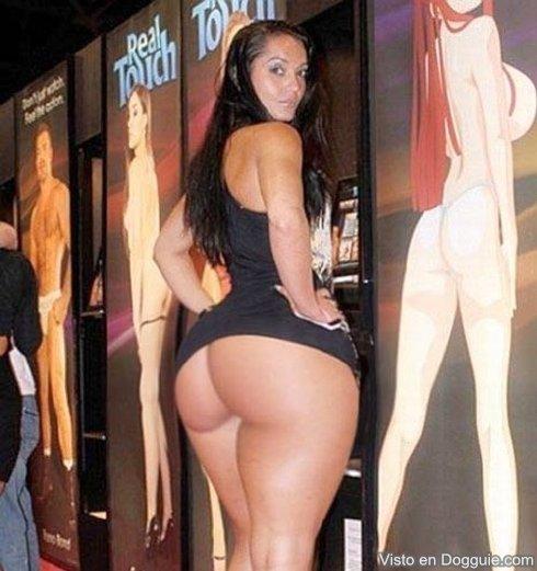 mujeres con tetas y culos grandes: