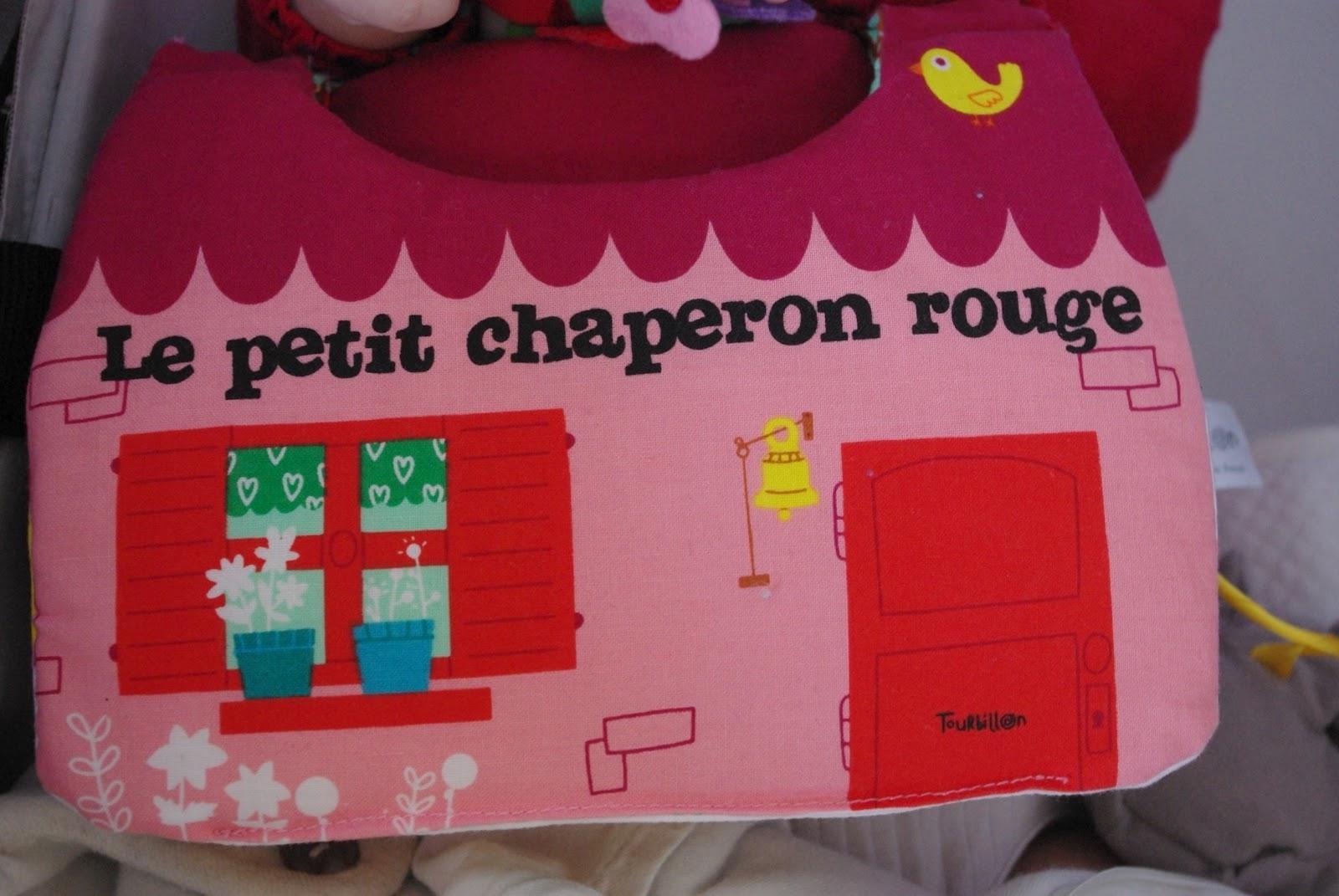 aggie agit 1er aggiversaire 1 1 livre marionnette gagner. Black Bedroom Furniture Sets. Home Design Ideas