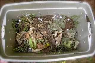 making a compost bin  for under $10 step 6