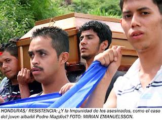 entierro+y+agentes+038_4.jpg