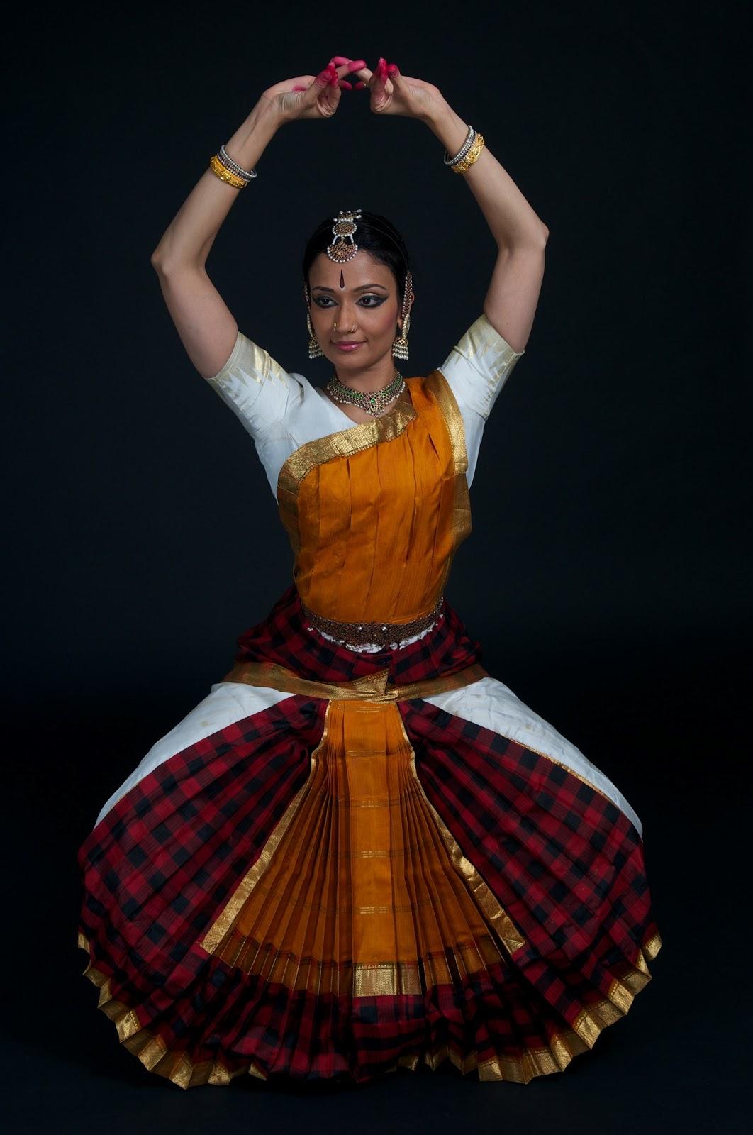 Bharatanatyam Costume Color Combinations   www.galleryhip.com - The ...