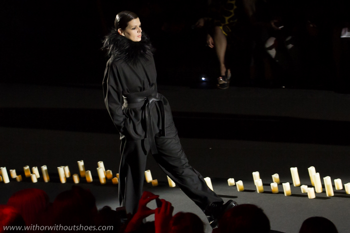 Desfile Coleccion Inferno Otoño Invierno 2015 Davidelfin en la MBFWM15 Fashion Week Madrid