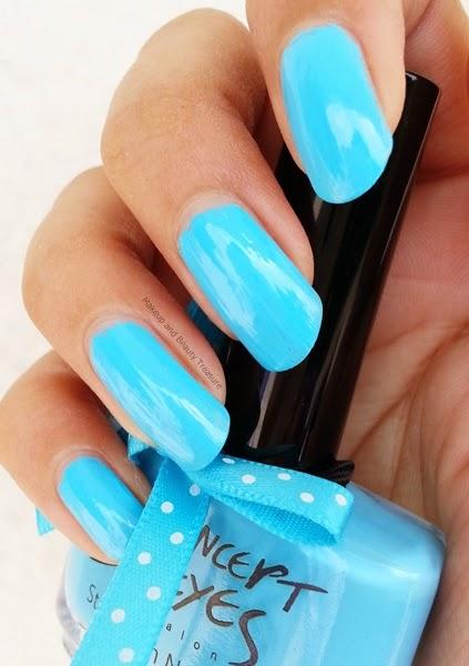 Sky-Blue-Nail-Polish