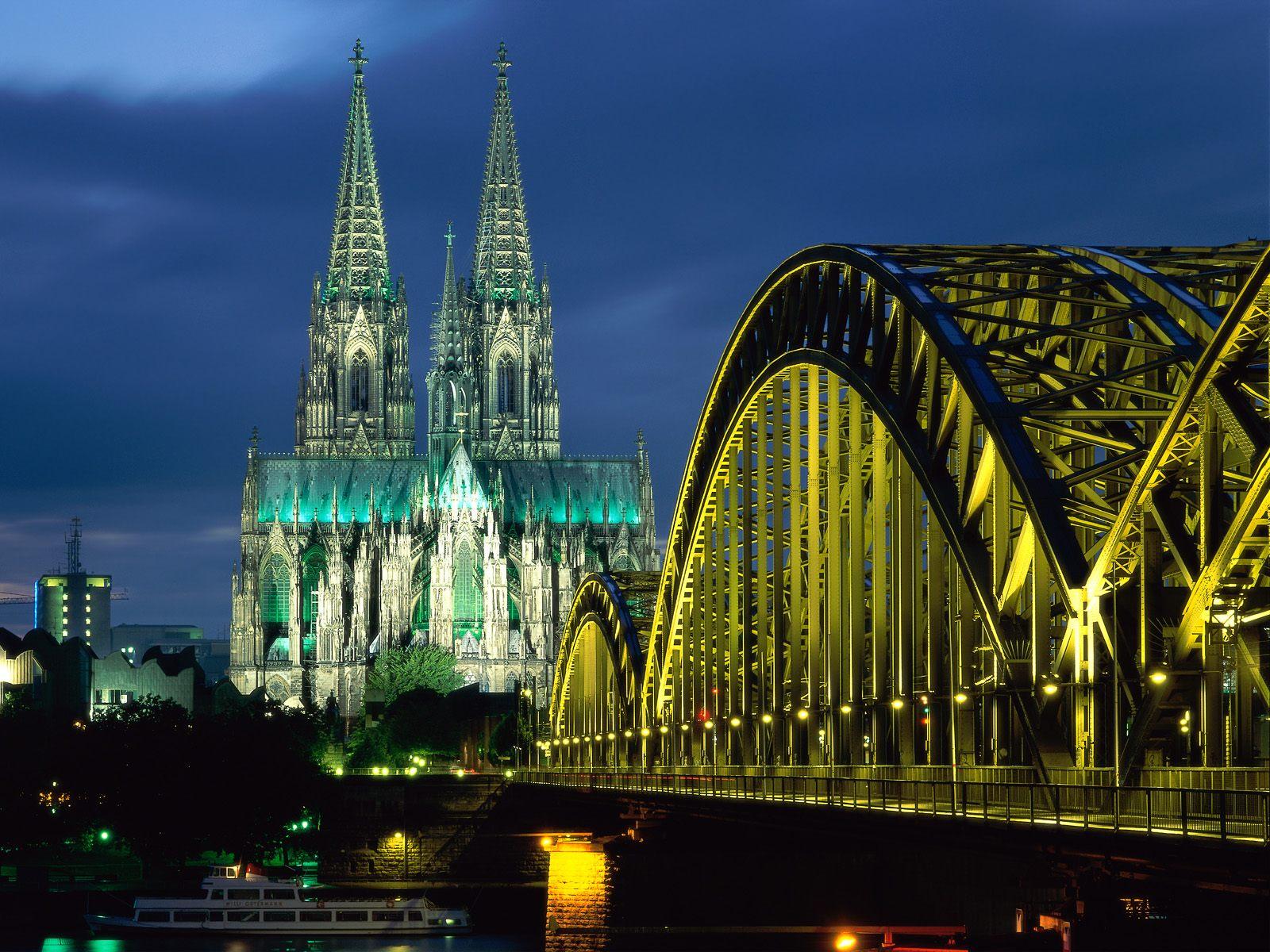 http://4.bp.blogspot.com/-W9TPTw-fZs4/TcGYRsMW3SI/AAAAAAAABOM/h91zh1zercs/s1600/Germany-Wallpaper_0405201106.jpg