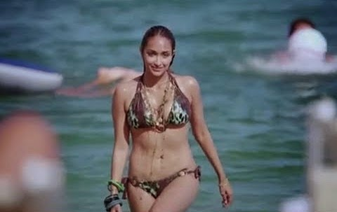 Jiah Khan housefull bikini photos