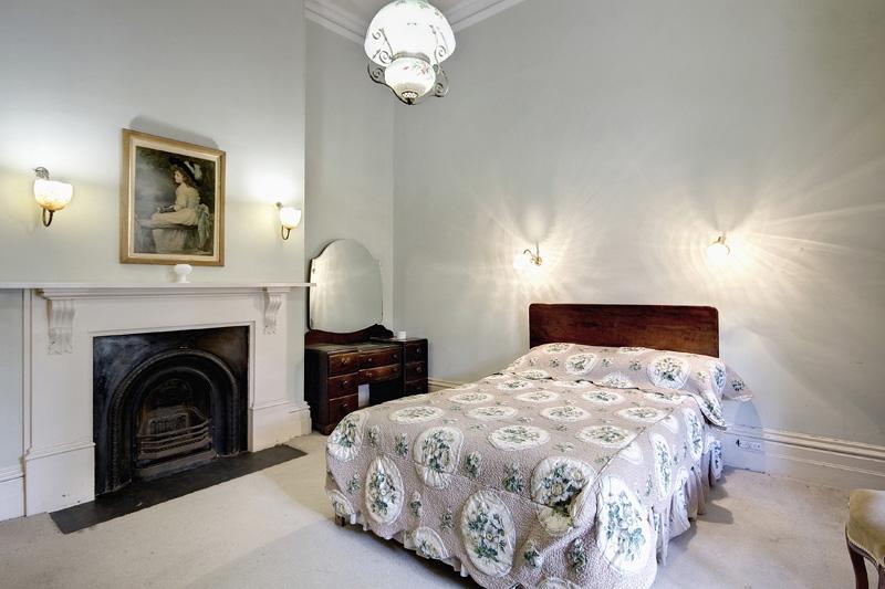Adelaide Villa September - Light fittings for bedrooms