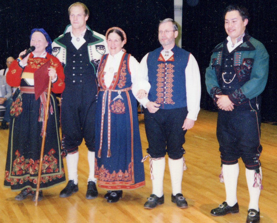 folkcostume embroidery costume and rosemaling embroidery of west