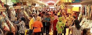Hiruk pikuk di dalam Pasar Beringharjo