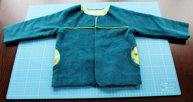 Herbstkind sew-along: außen Babycord in petrol