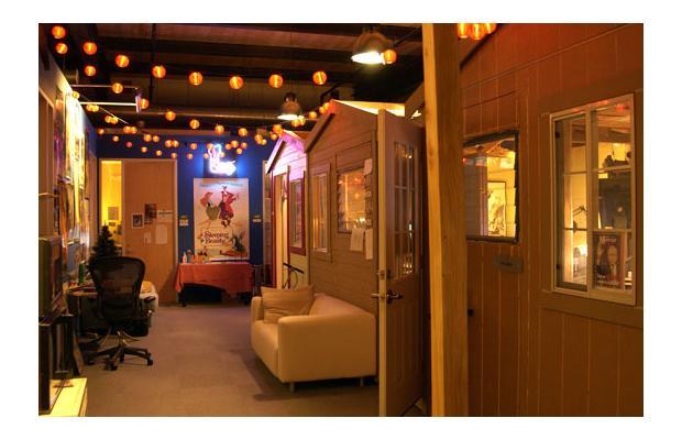 Arquitectura atemporal oficinas curiosas de marcas famosas for Oficinas pixar