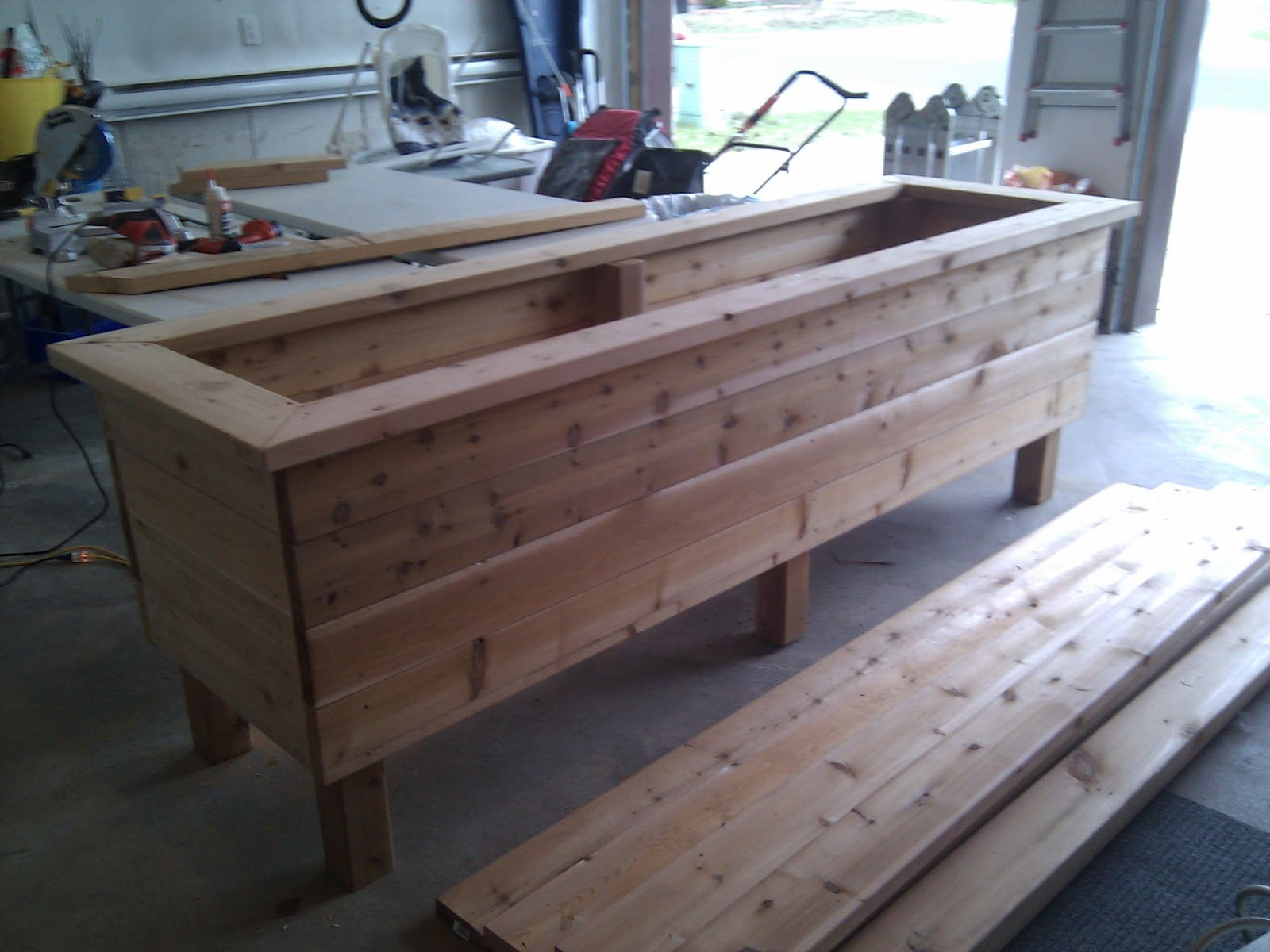 construction de bacs pour potager sur lev s. Black Bedroom Furniture Sets. Home Design Ideas