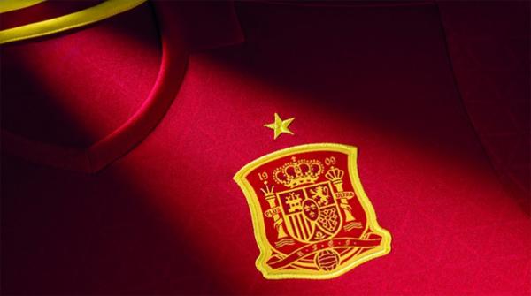 escudo camiseta selección española de fútbol