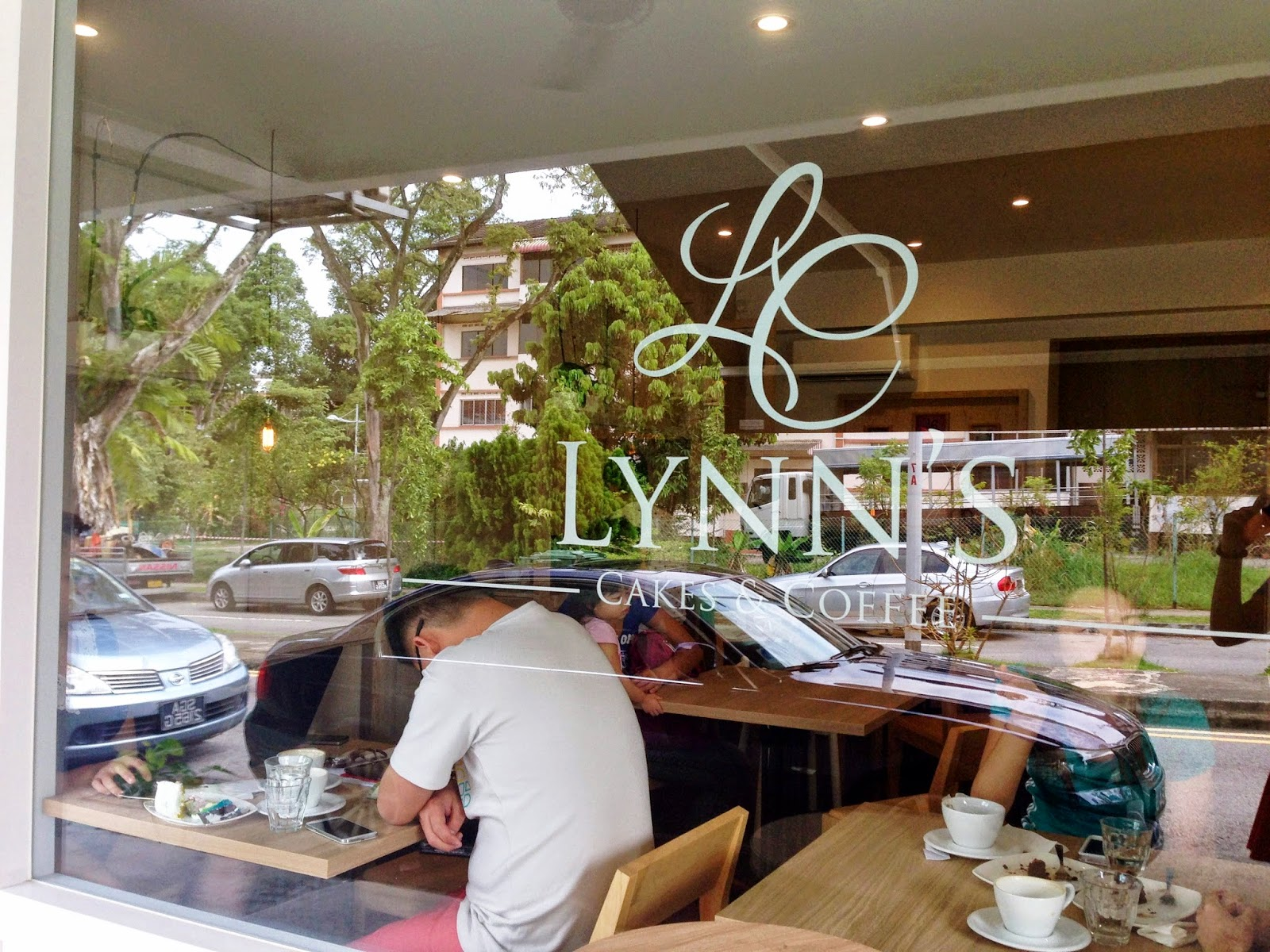 Lynns Fashion Store Review