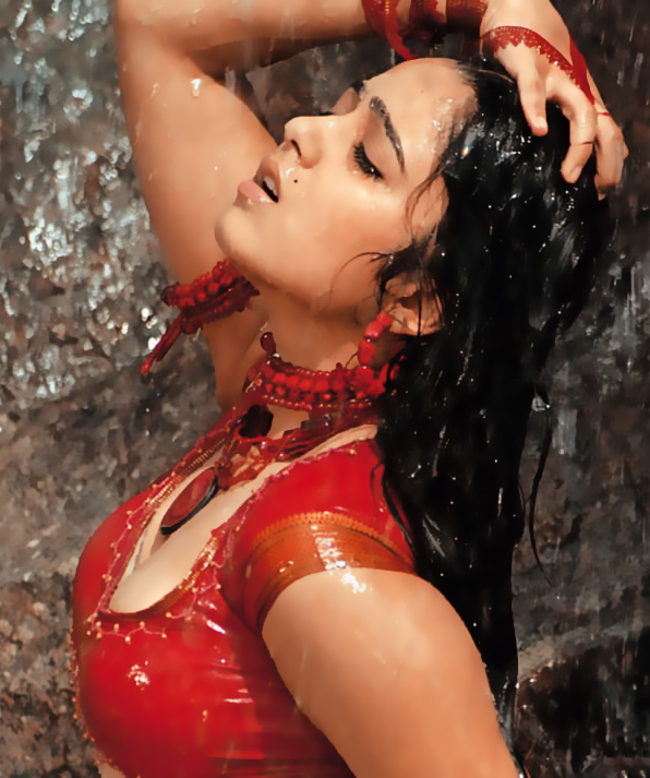 Bad WAP Indian http://amaze-eyes.blogspot.com/2011/10/indian-actress-charmi-kaur-hot-images.html