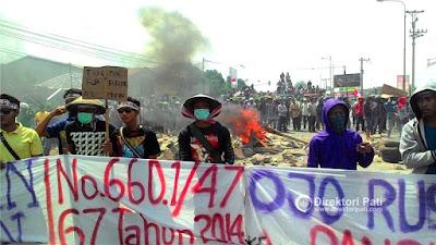 foto blokade pantura demo tolak pendirian pabrik semen