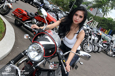 DJ Bibie Tunggangi Moto Guzzi V7 Racer