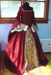 Aquí os dejo con algunos trajes medievales diseñados en nuestro tiempo, tan solo para el quien quiera soñar un poco.
